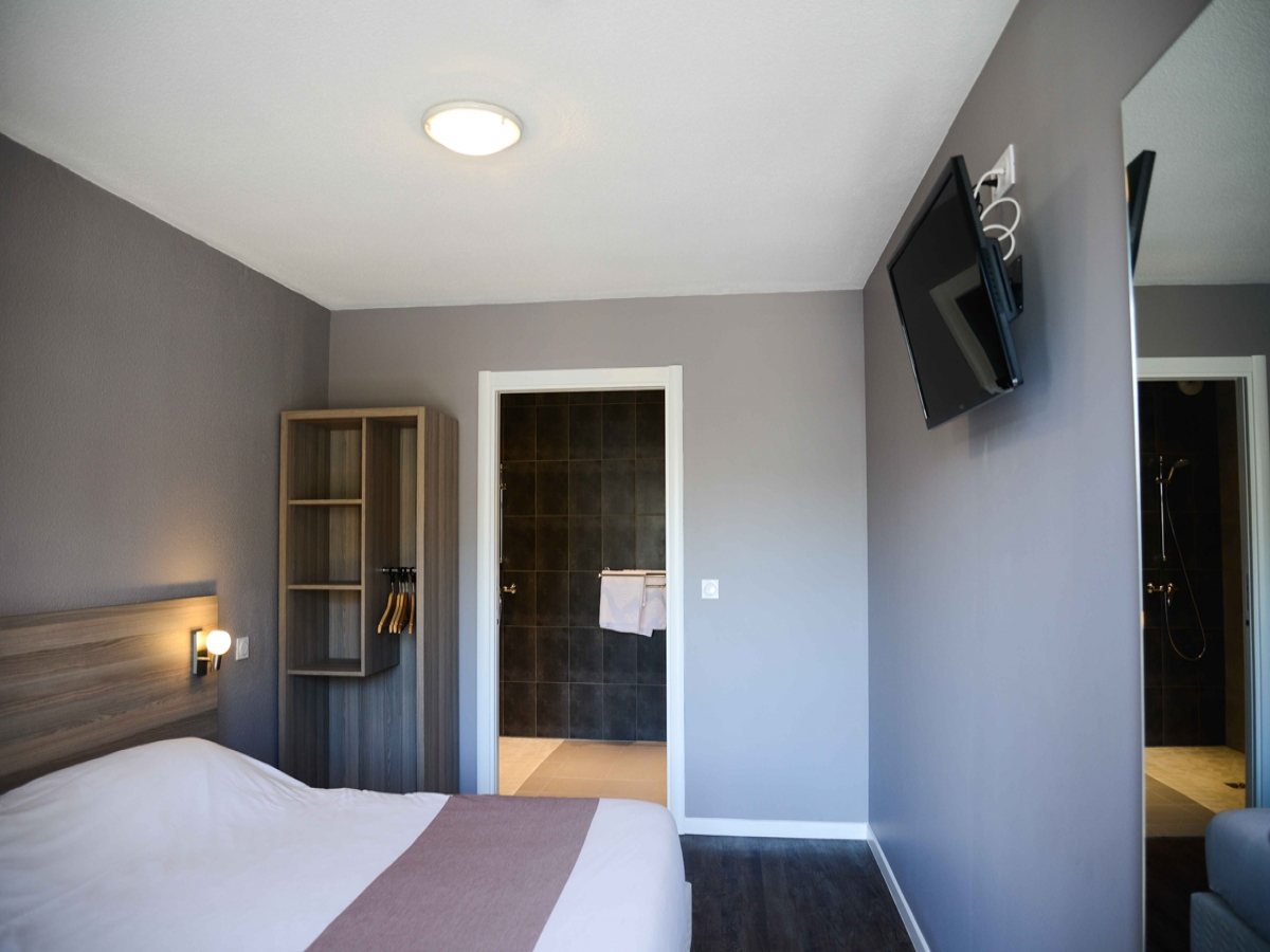 Chambres h tel port en bessin bayeux l 39 eisenhower for Chambre d hotel normandie