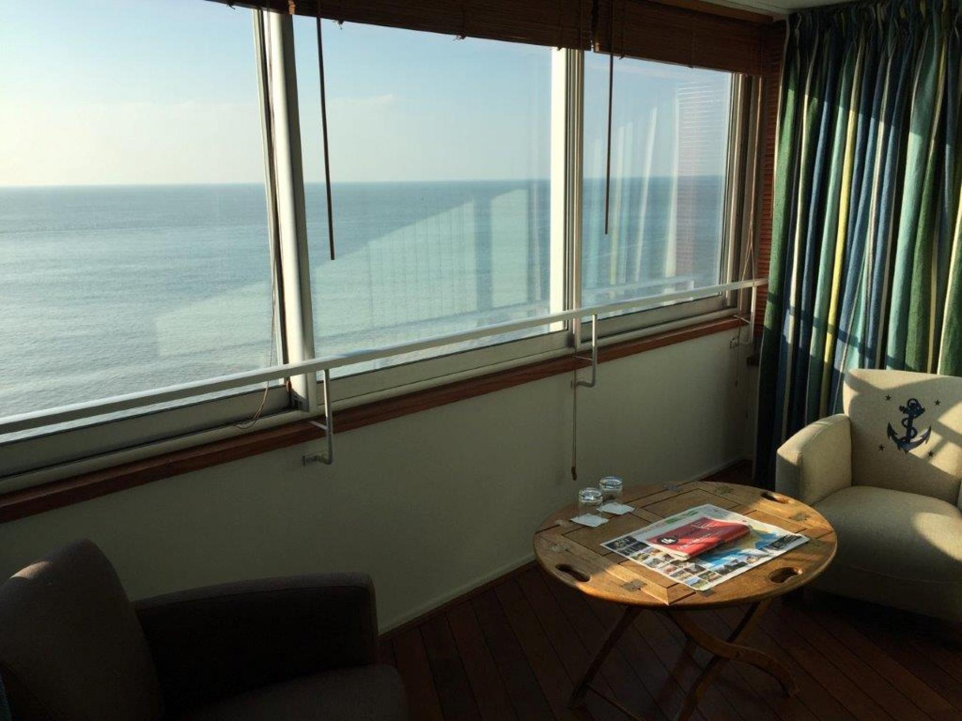 Hotel Le Havre Logis H U00f4tel Les Voiles Sur La Plage Du Havre